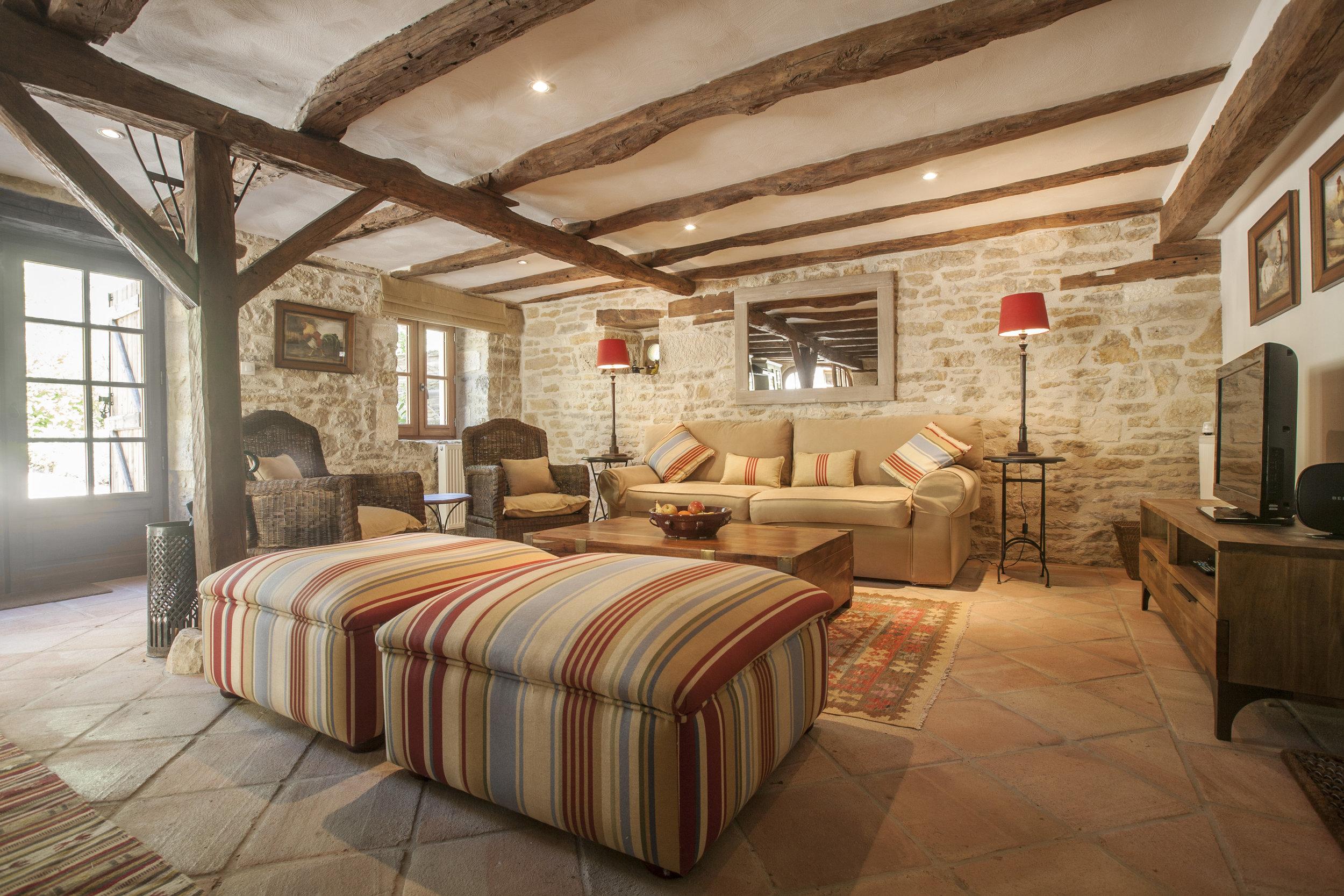 Rouge - Sitting Room.jpg