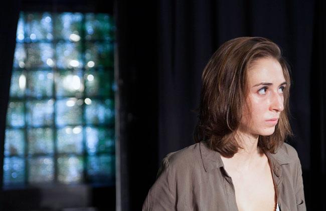 Nathalie Peltier in BECKETT at Les Rendez-Vous D'ailleurs Theatre, Paris. Credit: Christian Raby.