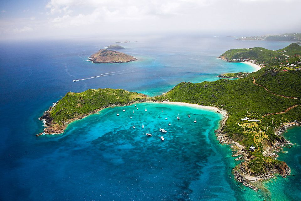 Morning 2 - ISLAND EXCURSIONWe will be visiting many of the famed locations around the island including:-Toppers Distillery-Fort Louis (French Side)-Marigot (French Capital)-Maho Beach (Plane landing)-Philipsburg (Dutch Capitol)-Rainforest Adventures