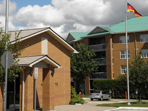 German canadian housing (York region) - 735 & 737 Stonehaven Ave - Newmarket