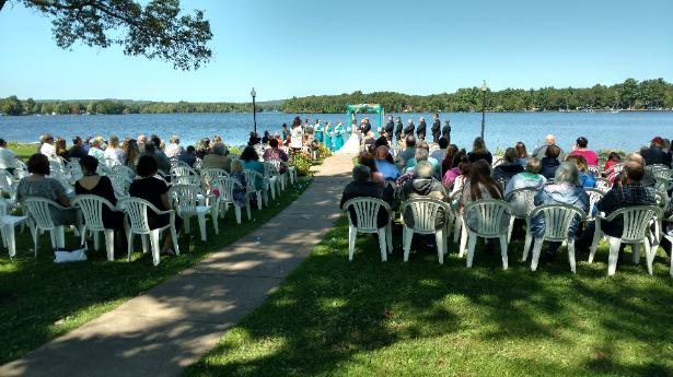Set the stage - Paradise Shores 4 sets the stage for impeccable weddings with our outdoor venue that take advantage of lake Holcombe.We also host bridal showers, rehearsal dinners, and bachelorette parties with pontoon excursions