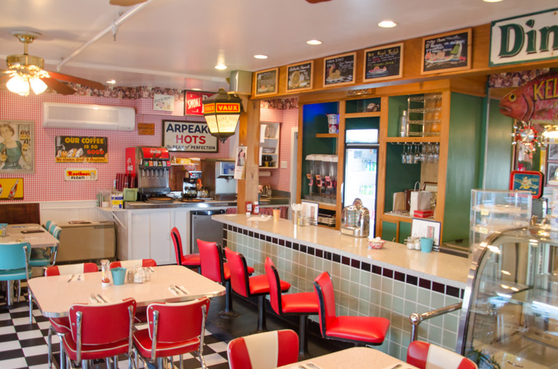 Edgartown Diner - Edgartown Diner is co-owned by Jamaican chef Ralston Francis. Located in the same building as Edgartown Cinemas, Ralston's diner menu has a little something for everyone.