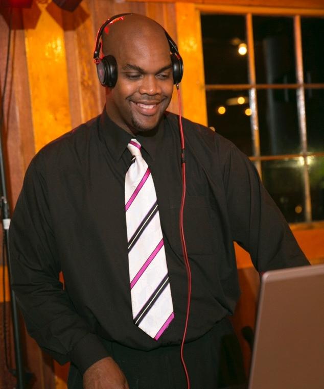 DJ Smooth B - R&B Entertainment