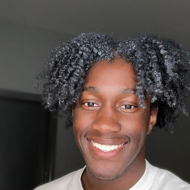 We Smile Back @thxtonedude⠀⠀⠀⠀⠀⠀⠀⠀⠀ ・⠀⠀⠀⠀⠀⠀⠀⠀⠀ ・⠀⠀⠀⠀⠀⠀⠀⠀⠀ ・⠀⠀⠀⠀⠀⠀⠀⠀⠀ #CURL #CURL2019 #naturalhair #natural #twistout #braidout #beard #melaninmagic #handsomeblackmen #flexing #naturalhair #follow #handsomeman #blacklove #springtime #mua #photography #africa #makeup #problack #brownskin #melaningoals #lookoftheday #potd #instagood #style #berlin
