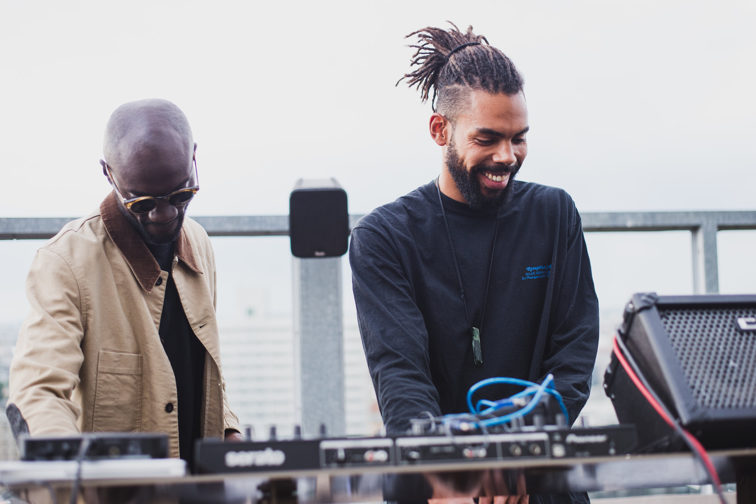 DJ Chix an den Turntables auf dem Rooftop vom Weekend Cub, (C) Daria Modin