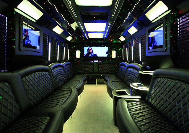 chicago-wedding-limo-and-party-bus.jpg