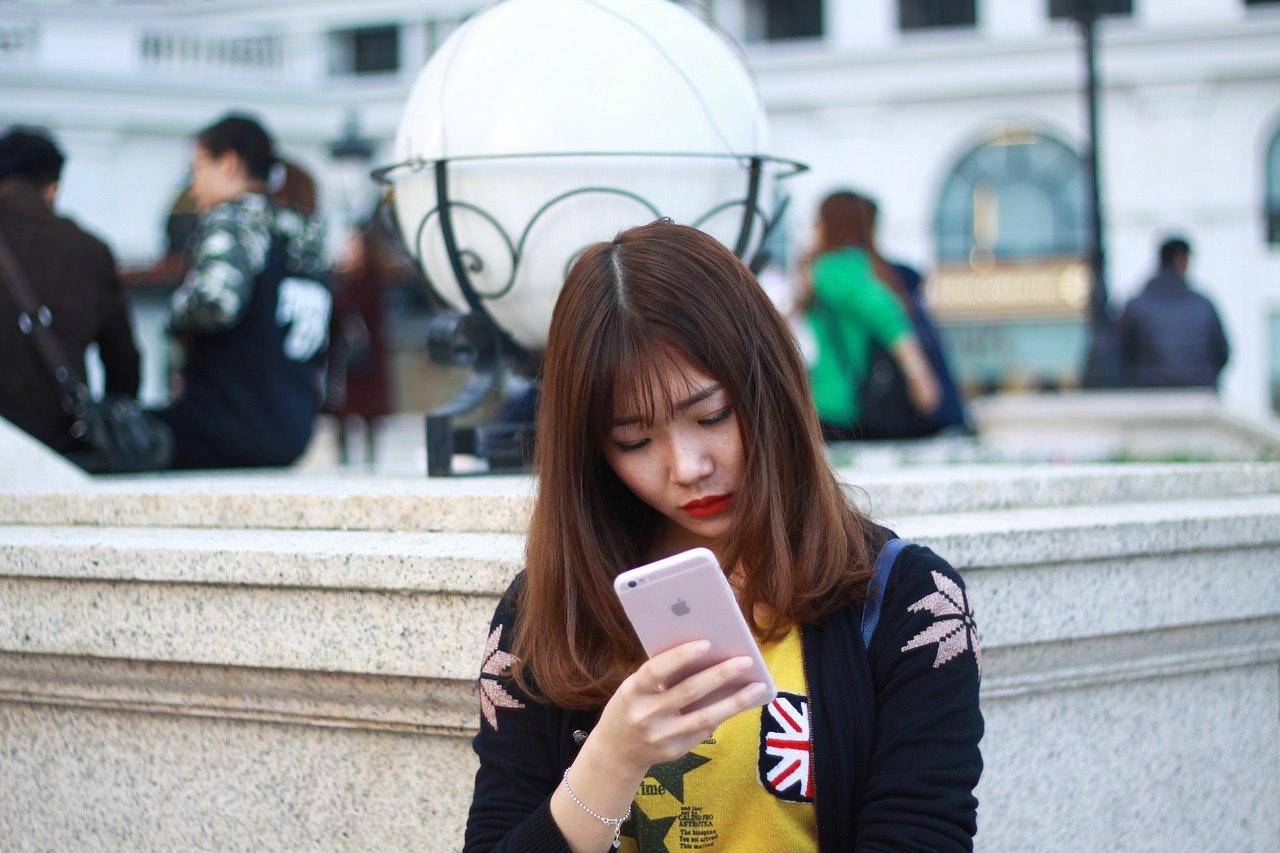 mobile-1999918_1280.jpg