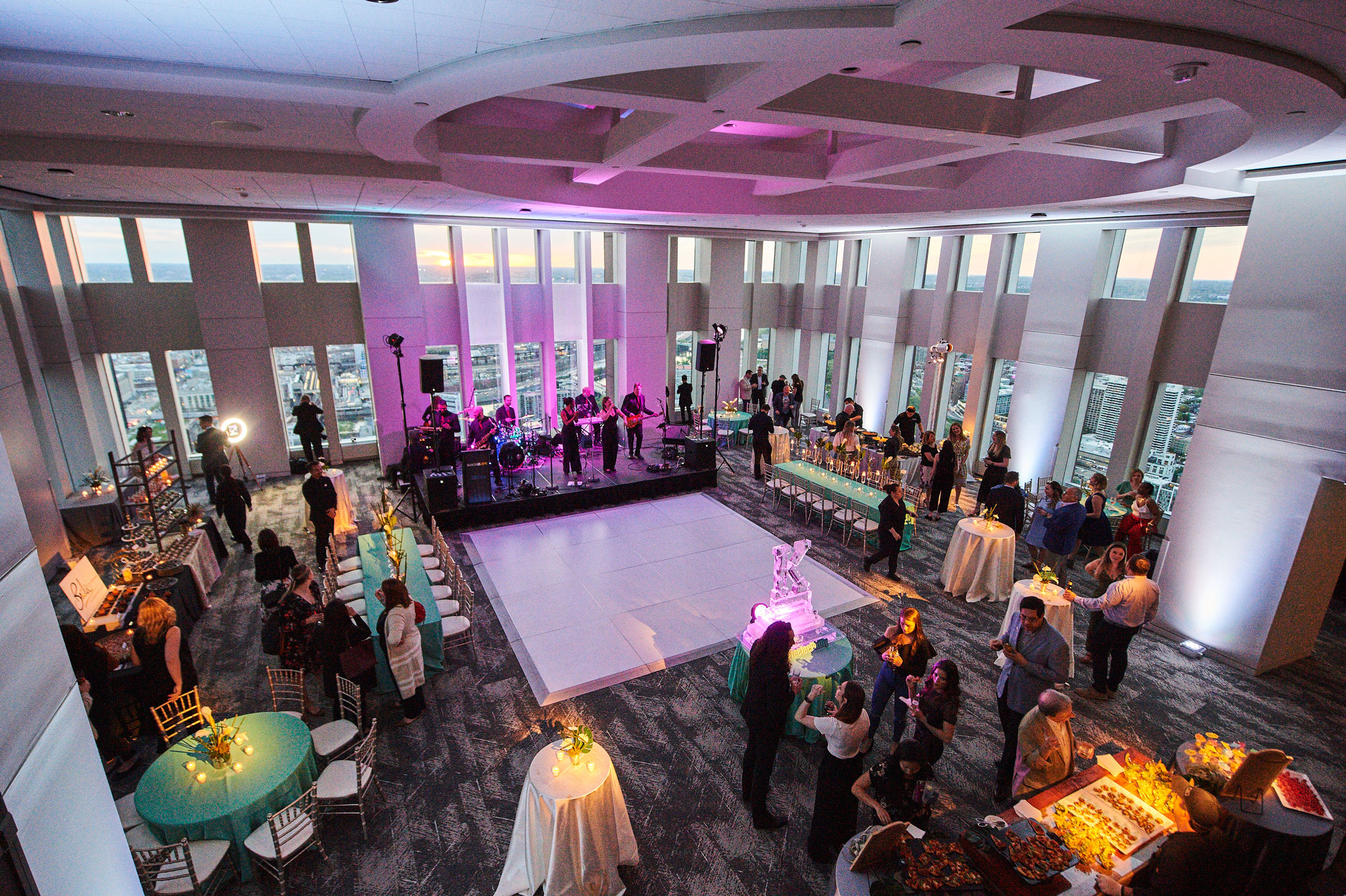 Special Events - VUE on 50 can accommodate groups of up to 500 people for any celebration or special event including:Bar and Bat MitzvahsMilestone CelebrationsGraduation PartiesAnniversary PartiesHoliday PartiesBlack Tie GalasNon Profit FundraisersMilitary Ballsand more…