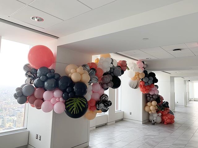 Wow your guests with an entrance🎈 #views #viewsofphilly #vueon50