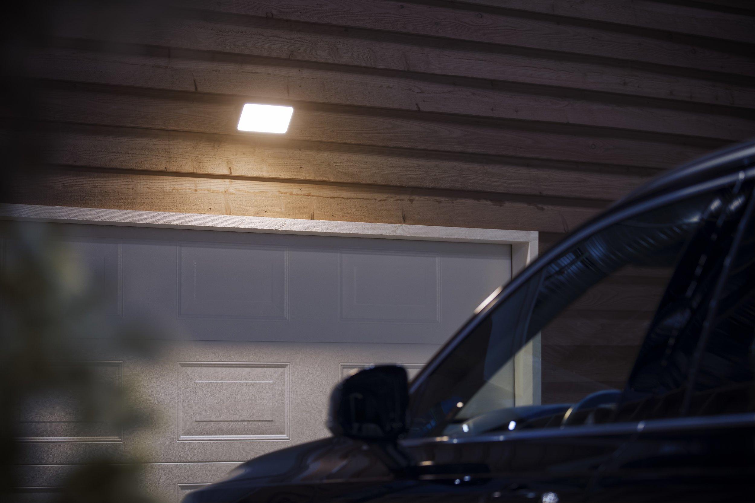 HUE-outdoor-Floodlight.jpg