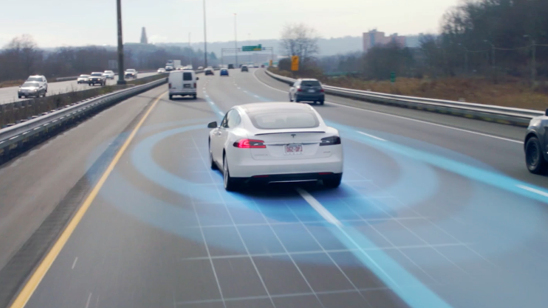 TESLA UPDATE WILL ALLOW CARS TO RESPOND TO TRAFFIC LIGHTS AND STOP SIGNS COMING THIS YEAR