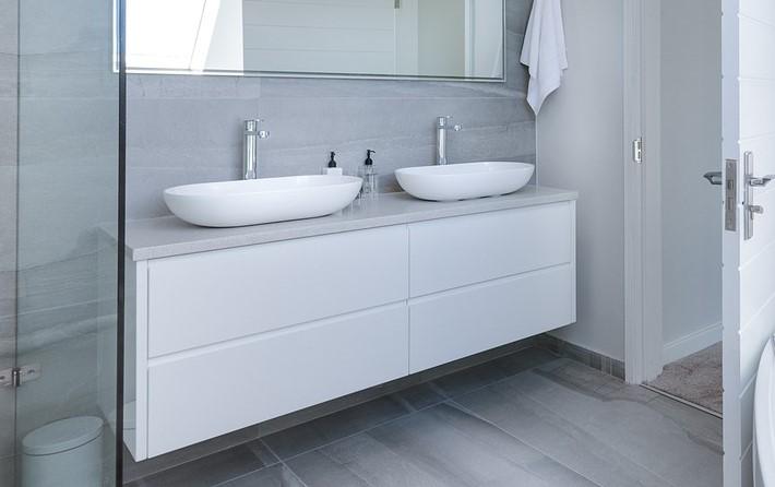 modern-minimalist-bathroom-3115450_1280 (1).jpg