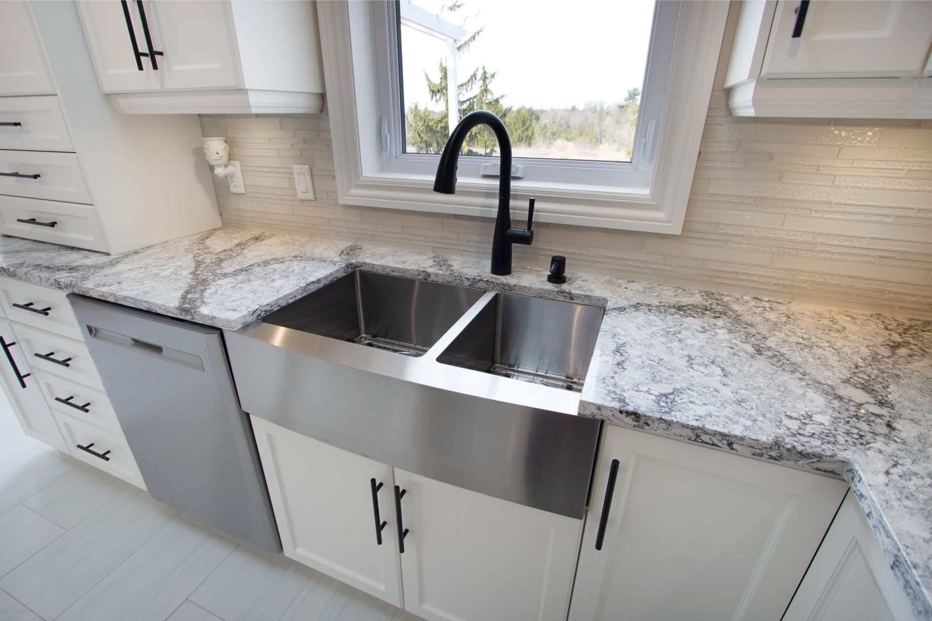 Beautiful Cambria countertop in our client's new kitchen in Oshawa