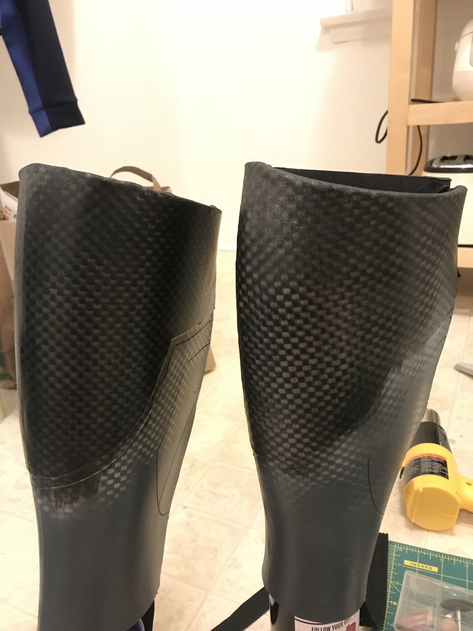 I was going to use carbon fiber vinyl for the tops of these, but I had issues with it not applying very well, so I just sprayed the pattern on using a rug mat.