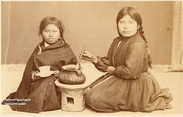 1876 Photo of Imillitas (girls) with Kheri traditions and delicious Andean food!