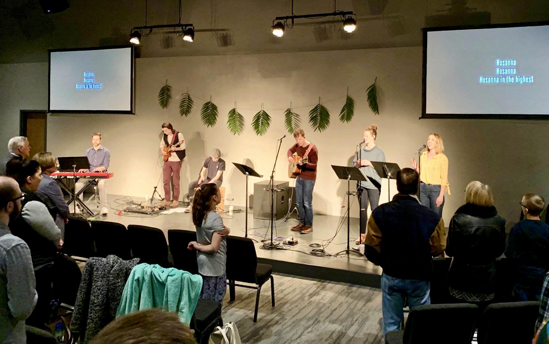 Sunday worship at Redeemer City.
