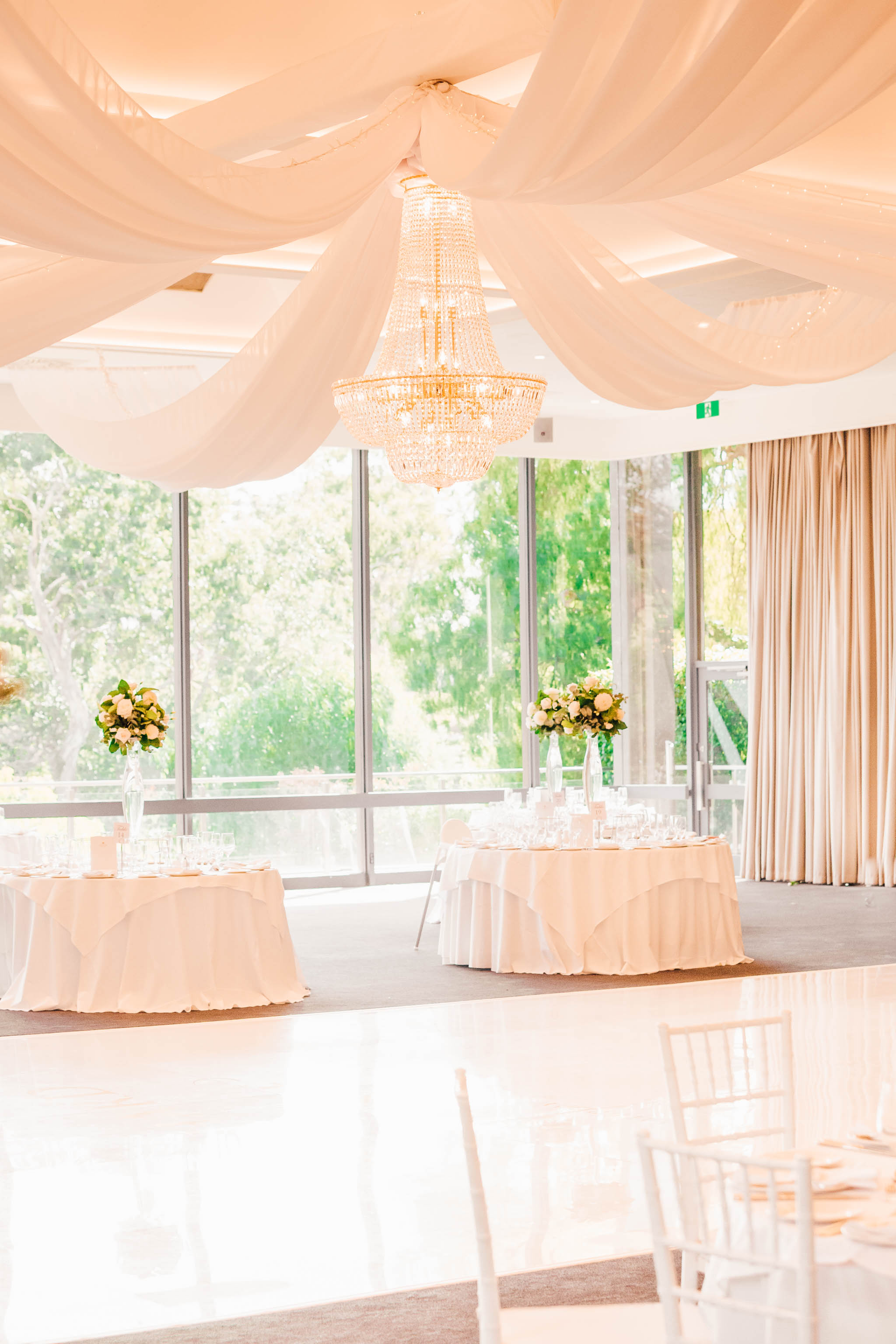 chandeliers to hire melbourne