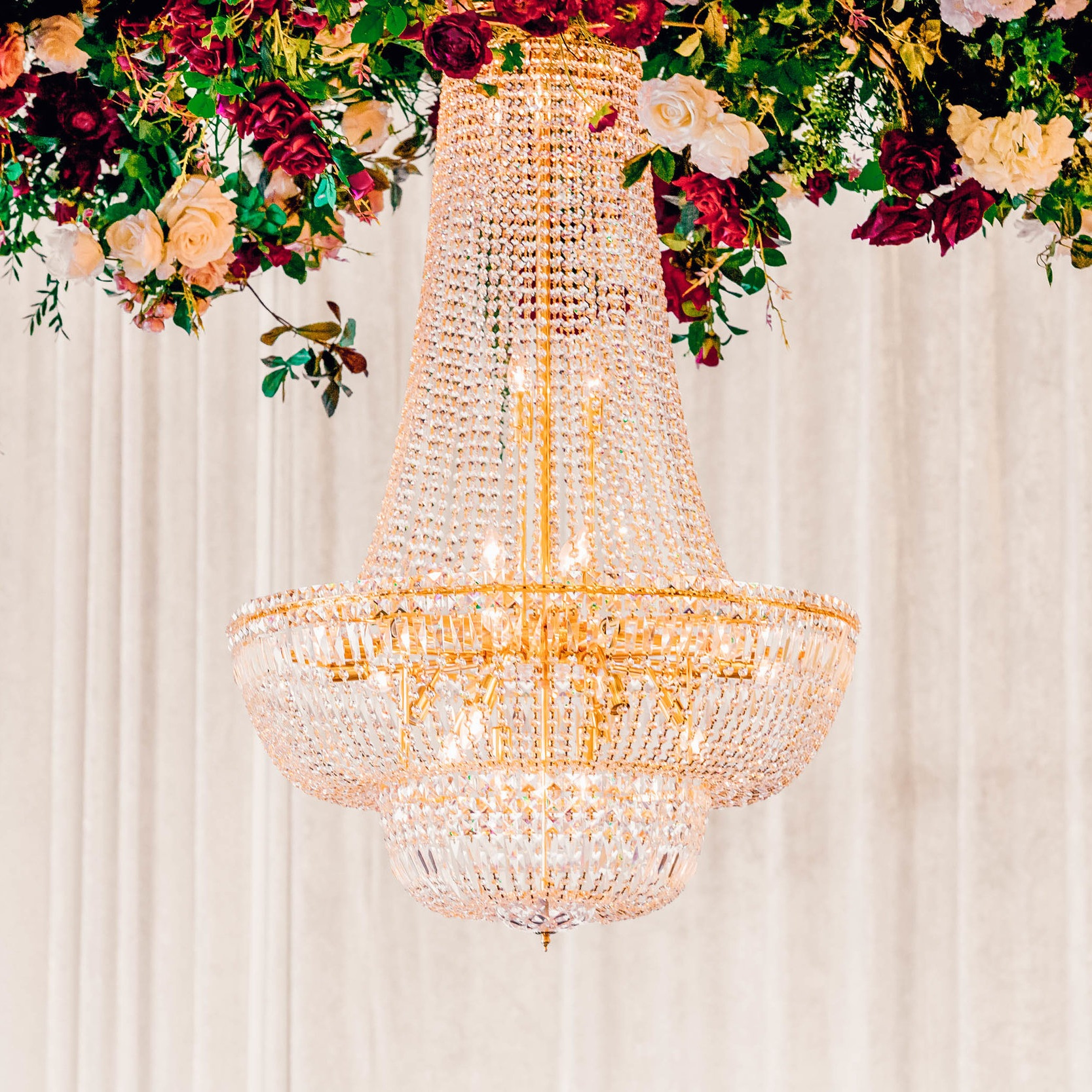 luxe chandeliers for hire