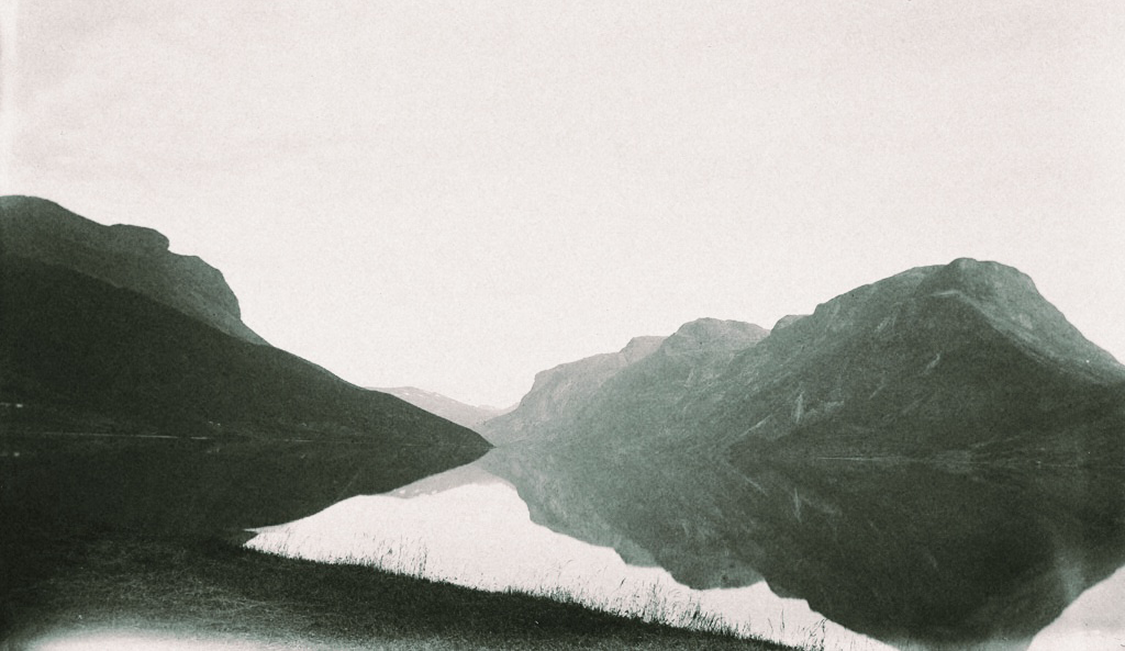 a Super 8 Film & Photography Company offering A vintage Approach for the modern day Couple. -