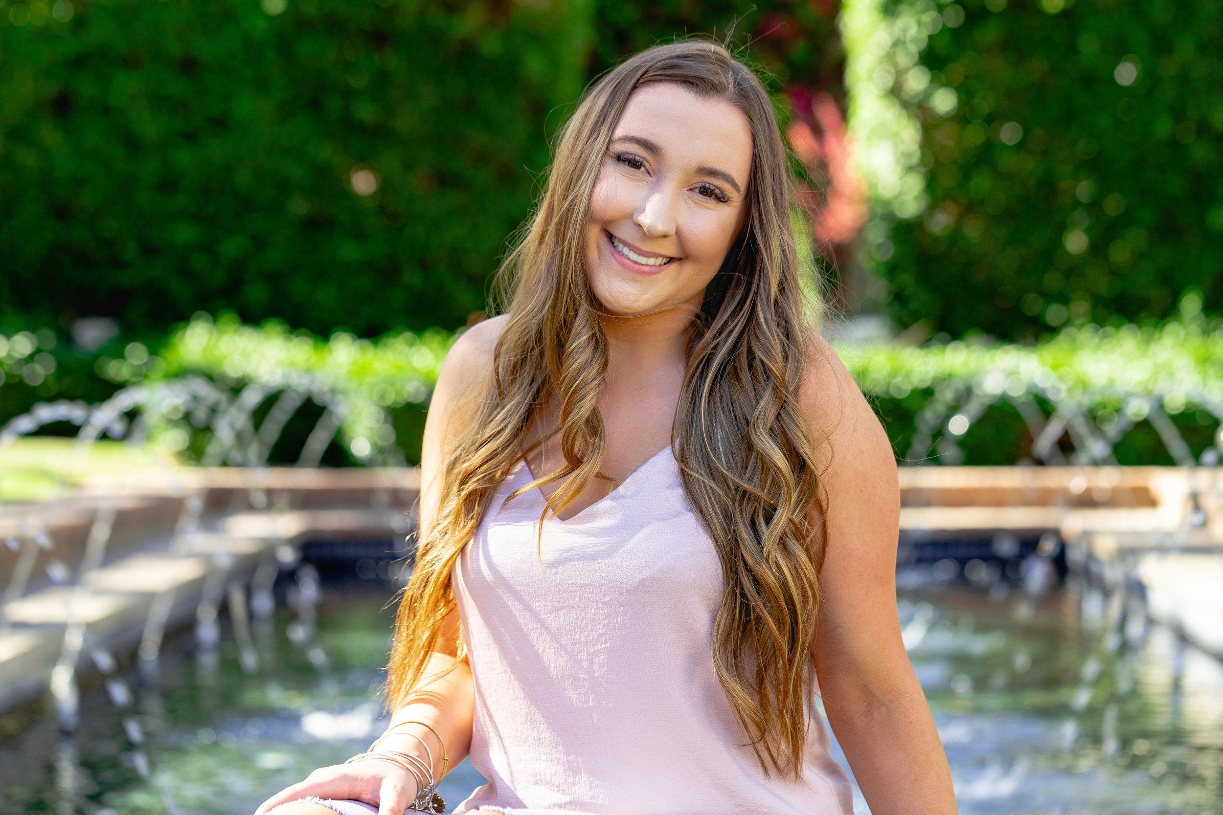 Natalie-2019-Grad-13.jpg