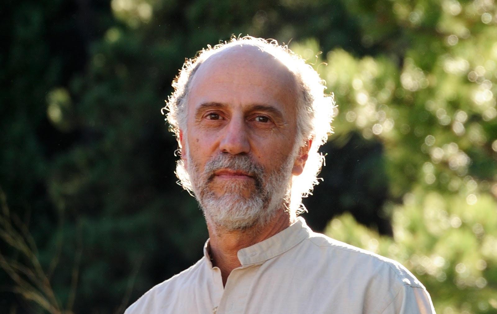 JONATHAN SMOLENS - Board Member, Material Designer