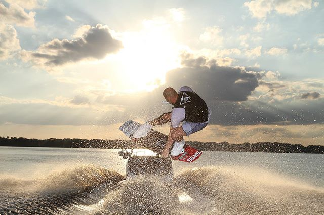 Sunset, wakeboarding, and a good crew is all you need. 📸 @andyworrall