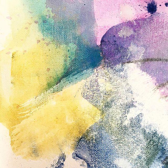 Joli petit ZoOm 😉! #mybeautifulmess #contemporaryart #contemporain #creativelifehappylife #femaleart #femaleartist #artwork #art #artprocess #processart #artistoninstagram #emergingart #emergingartist #texture #style #playwithpaint #mixedmediaartwork #mixedmediaoncanvas #mixedmedia #abstractart #abstractartwork #intuition #felling #workwithmusic #zoom #detailshot #france #bretagne #jenesieart #jenesieartstudio