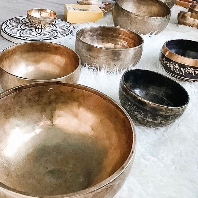 We have only one spot left in tomorrow's Sound Healing workshop!  ___ Learn how to play the Himalayan bowls and gongs from Co-Founder + Sound Practitioner, Andrew Francis @zendenmeditation  ___ This is a great introduction to sound healing for those looking to add an element of vibrational therapy to their repertoire or if you've just been feeling called towards the instruments. Sign up through our app or website 📲