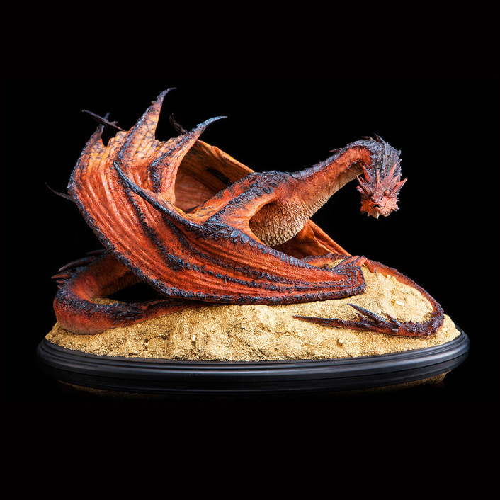 the-hobbit-smaug-the-terrible-statue-1-72-scale-59652_abc73.jpg