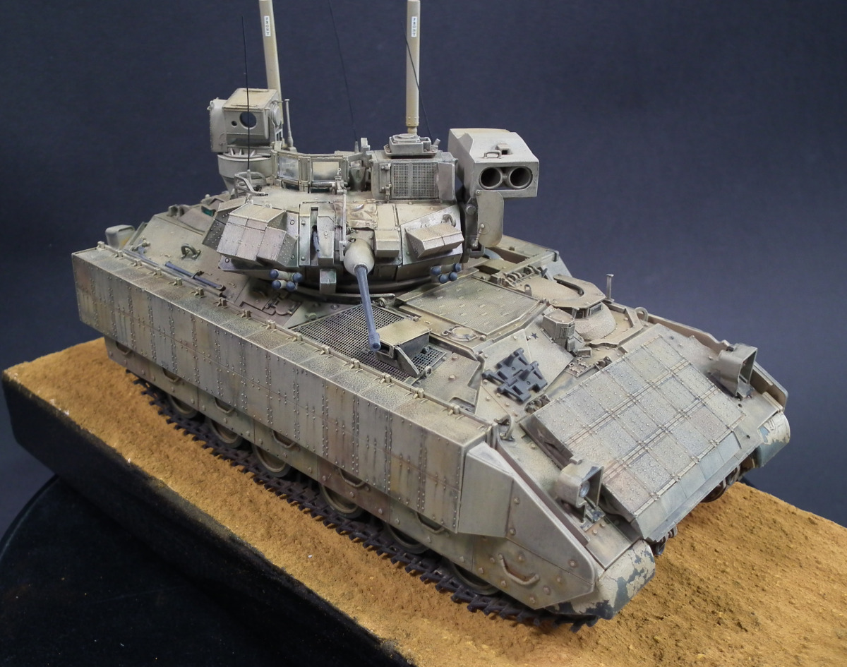 M3A3 Bradley Scale: 1/35   Manufacture: Meng   Parts used: Out of The Box   Main paints used: Tamiya and Vallejo