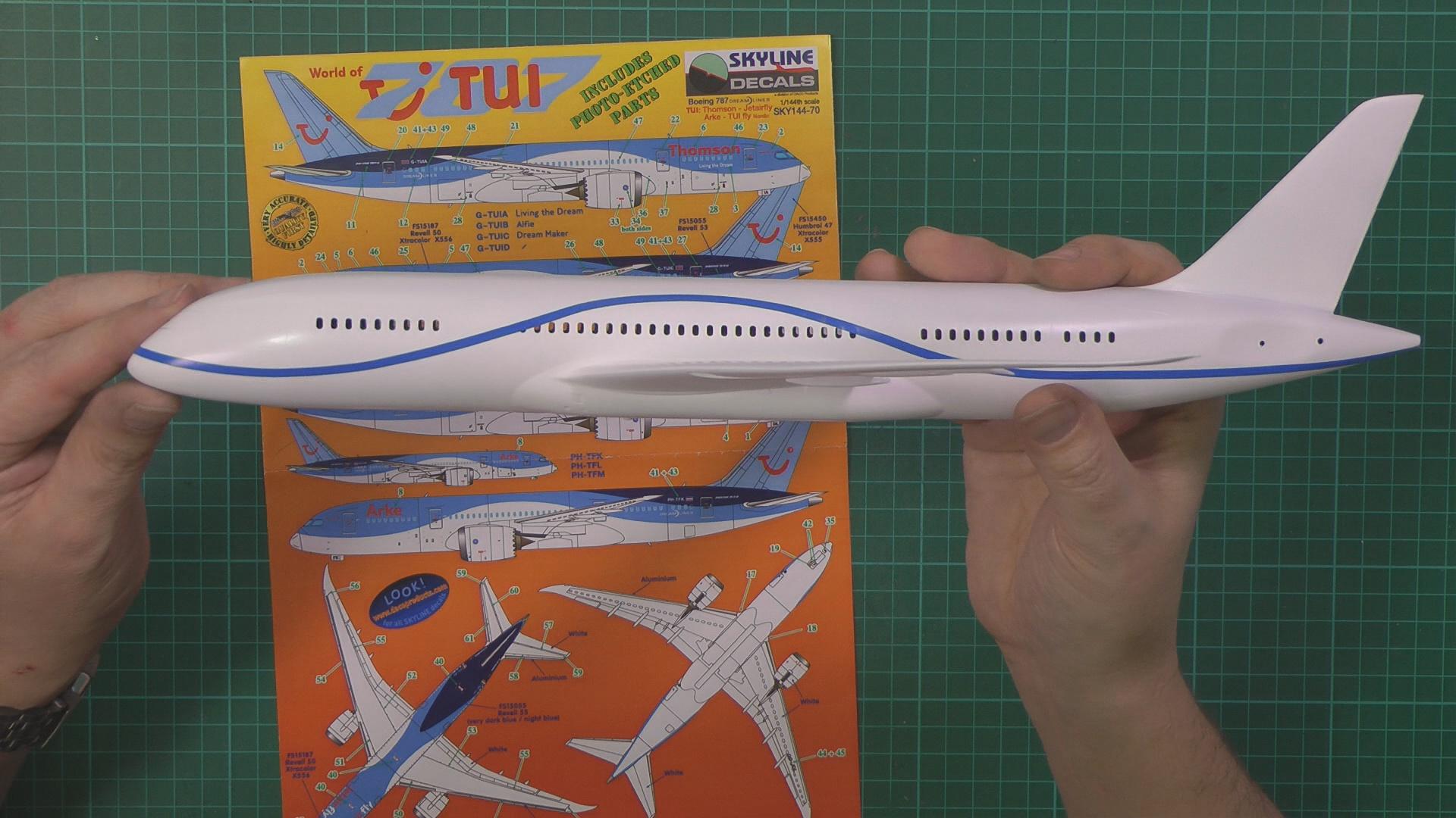 Revell 787 Dreamliner Part 3 PIC 2.jpg