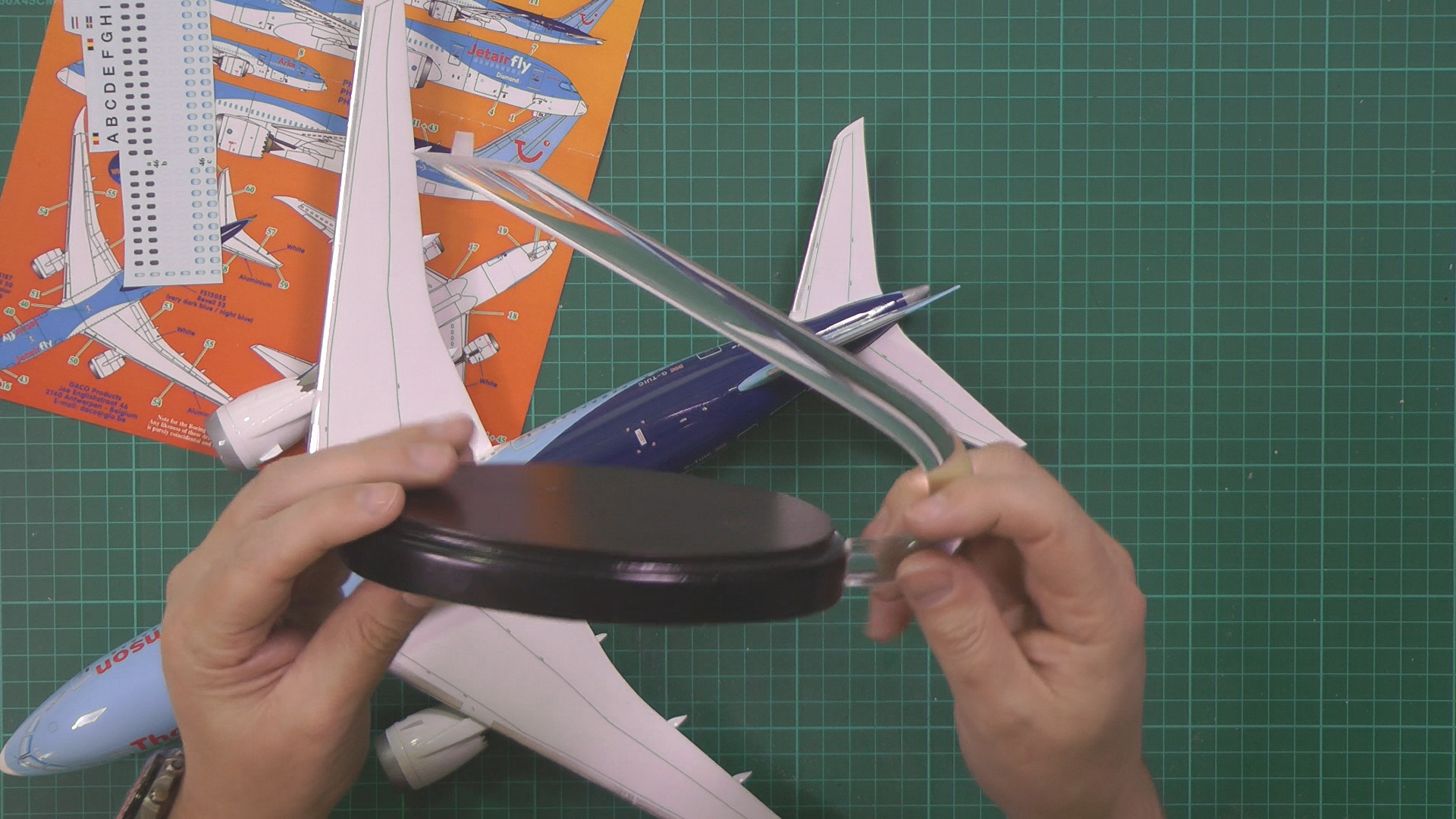 Revell 787 Dreamliner Part 7 PIC 1.jpg