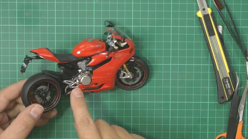 Ducati 1199 Part 7 pic 1_zpsy8jzcutn.jpg