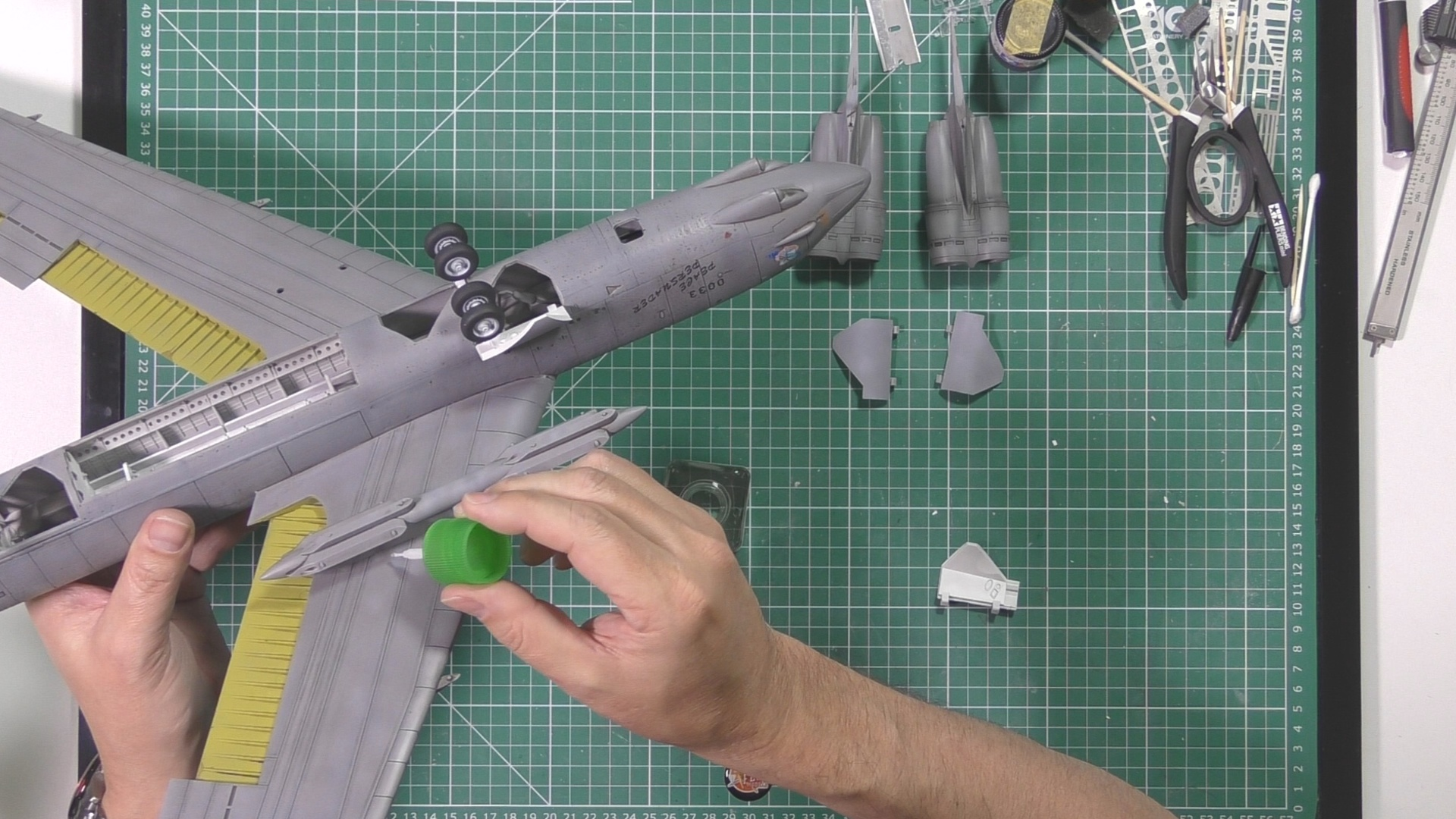Model Collect B52 Part 11 Pic 3.jpg