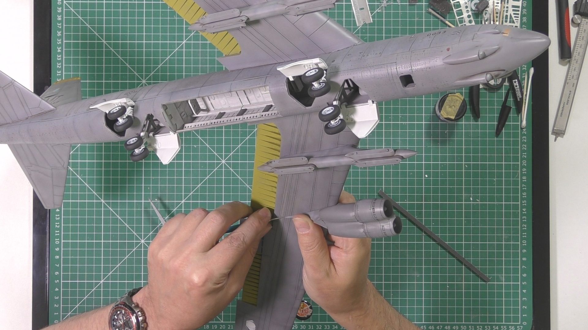 Model Collect B52 Part 11 Pic 4.jpg
