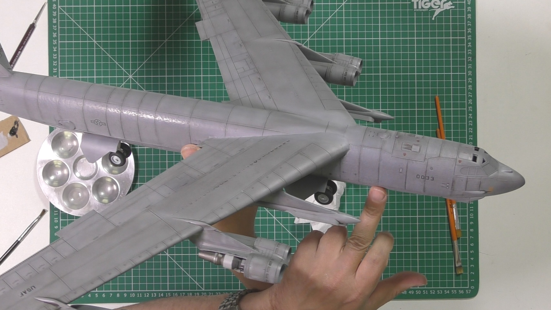 Model Collect B52 Part 13 Pic 5.jpg