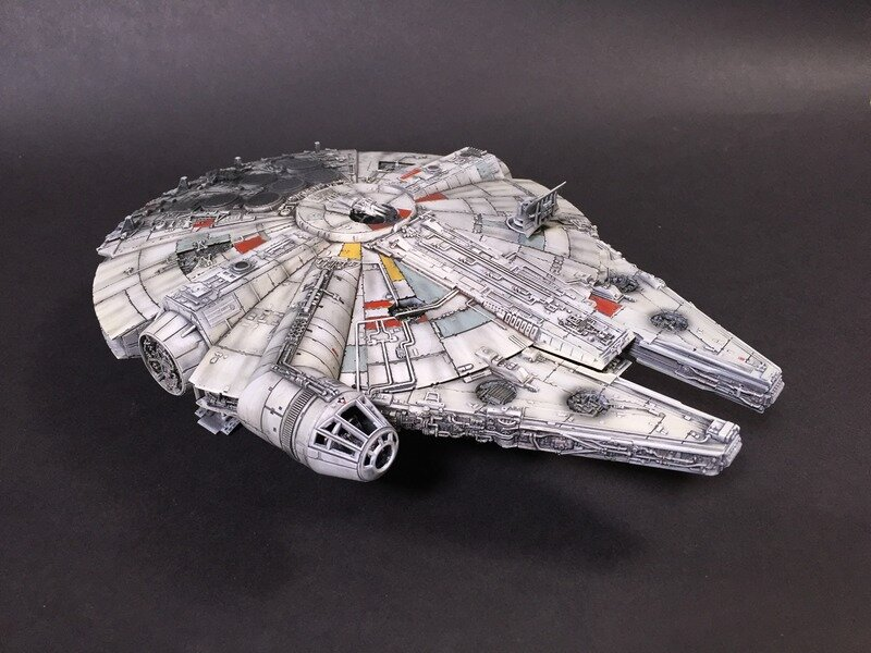 Millennium Falcon Scale: 1/144   Manufacture: Bandai   Parts used: out of the boox   Main paints used: Tamiya and Vallejo