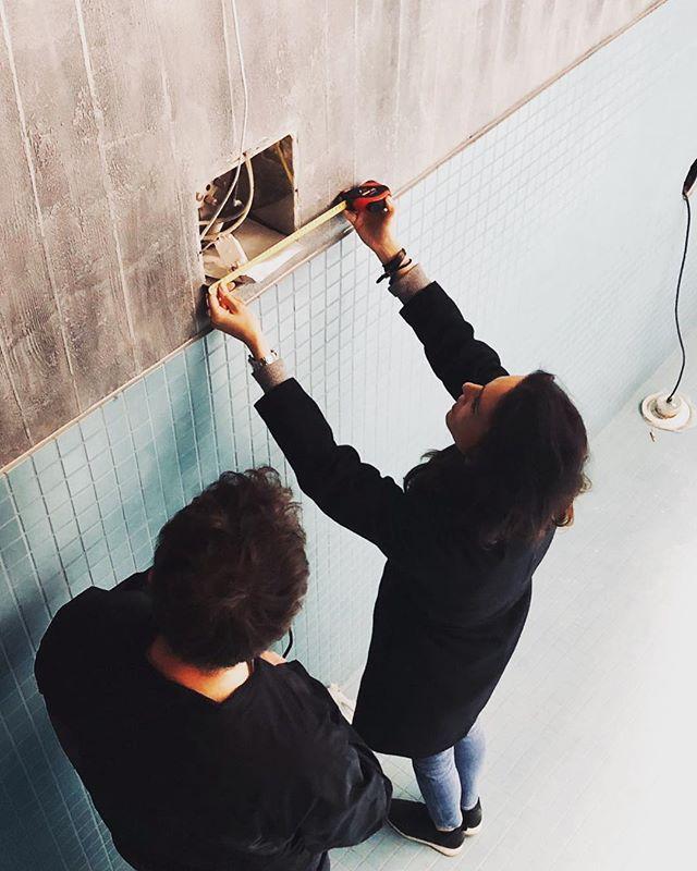 Head designer @annatiula on duty, and soon swimming.  ___ #onsite #swimmingpool #architecture #project #designer #tilasuunnittelu #uimaallas #betoni @abllaatat #helsinkiinteriors #ekmanremonttijamaalaus