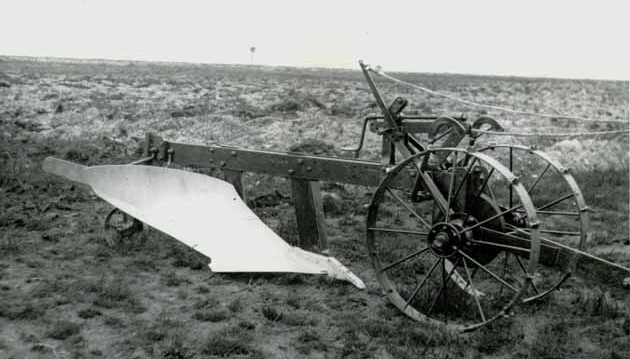 New type of FC plough, 1942