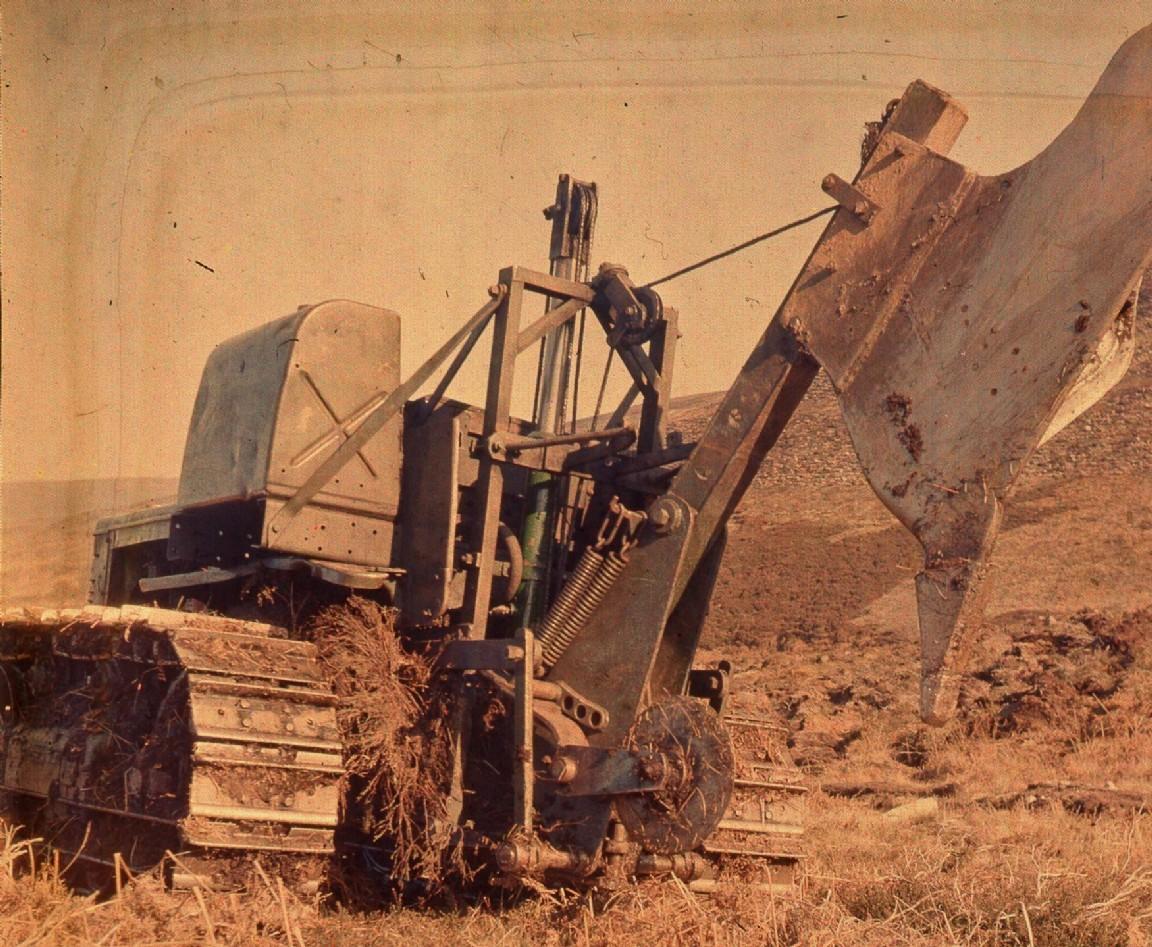 Hydraulic Tine plough, 1952