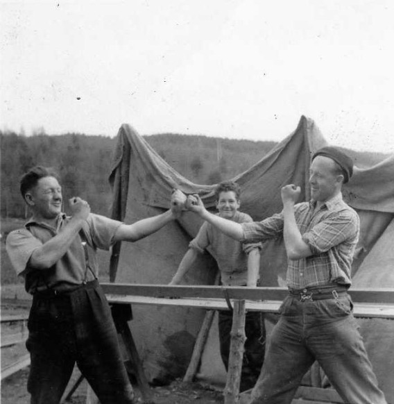 Lunchtime sparring session, 1958