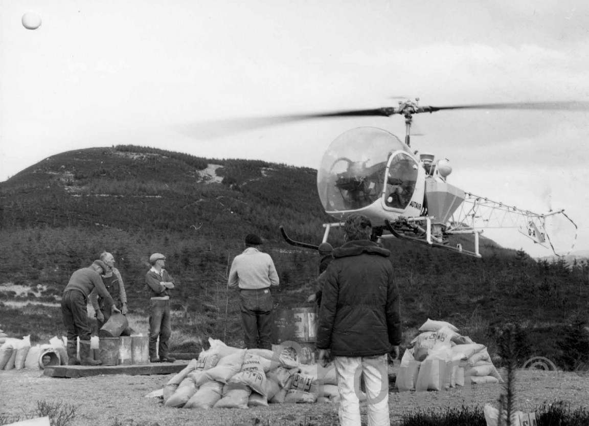 Fertilising by helicopter, 1967