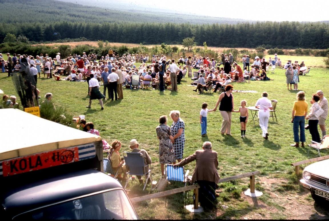 Bailies' family picnic, Back o' Bennachie, 1976