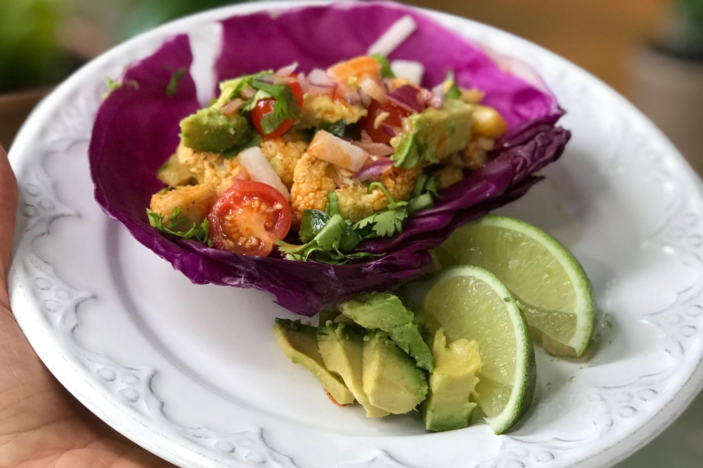 Buffalo Cauliflower Tacos - Meatless meal amazingness!