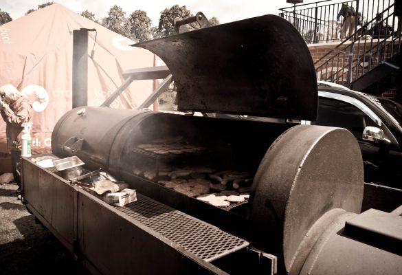 Shrewsbury-Dragon-boat-festival-catering-11-585x400.jpg