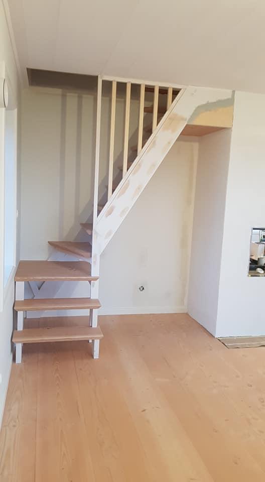 Platsbyggd trappa.jpg