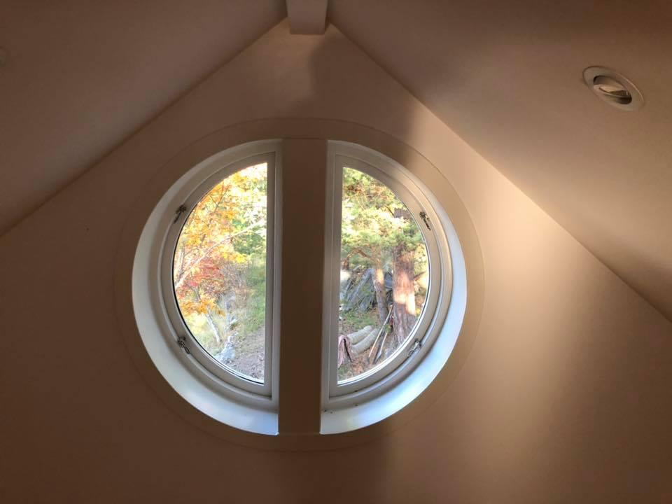 Specialbyggt fönster öppningsbart.jpg
