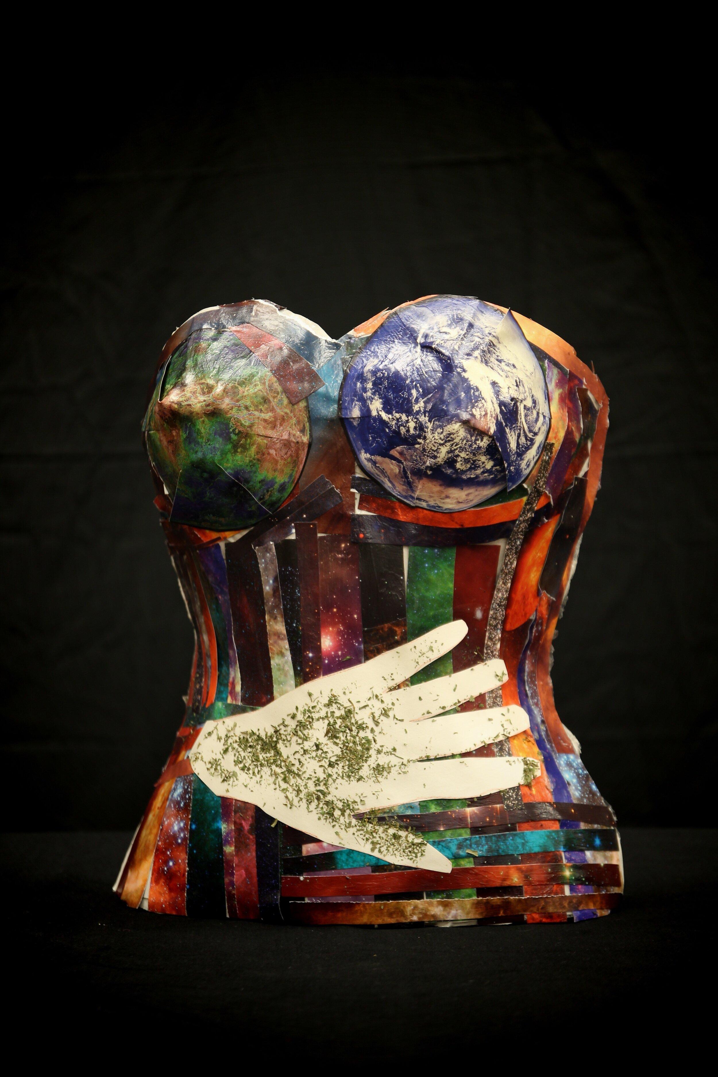 Got the Whole World in Her Hands — Sara Henderson
