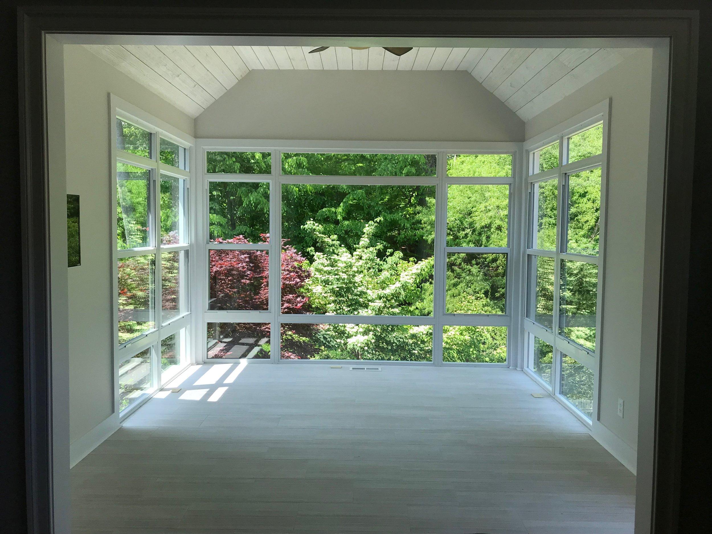 Dream 4 Seasons room with heated floors in Dunlora