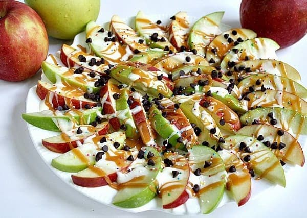 Caramel-Apple-Nachos-600x427.jpg